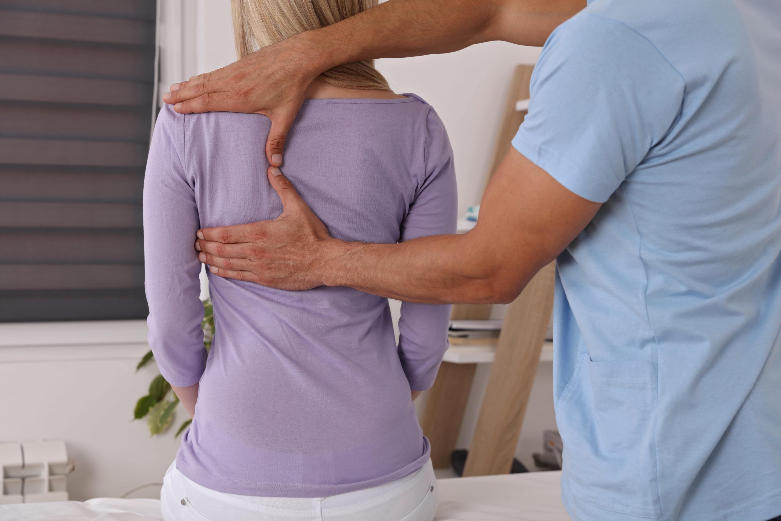 Difference between an osteopath and a chiropractor